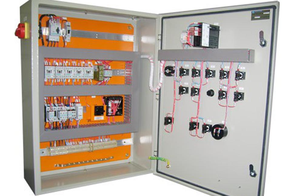 Montagem de dispositivos e instalação de linha de ar comprimido